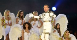 Eric-Idle-Closing-Ceremony-London-2012-Olympics